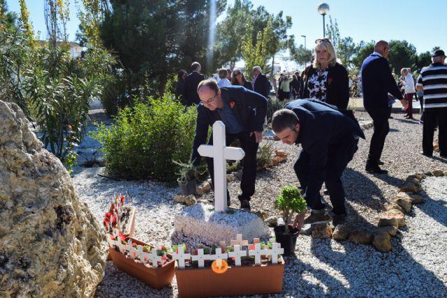 La comunidad británica de Mazarrón recuerda en el jardín de la memoria de Camposol a sus militares fallecidos - 5, Foto 5