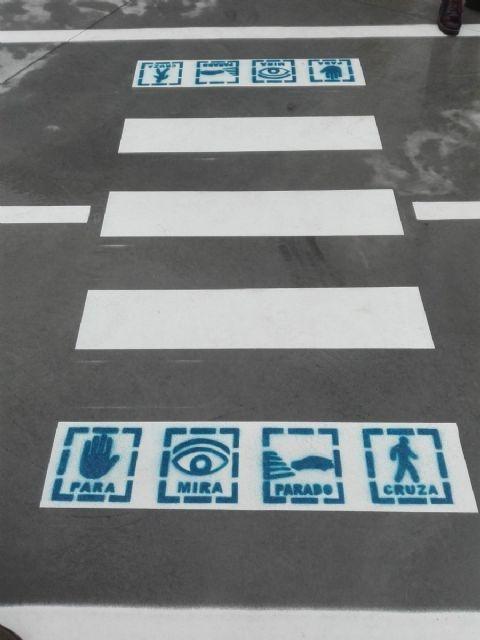 Puerto Lumbreras pintará pictogramas en los pasos de peatones de los colegios y CIPED - 2, Foto 2