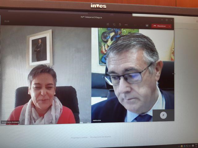 El Presidente de la CHS, Mario Urrea se ha reunido esta mañana con la alcaldesa de Calasparra - 1, Foto 1