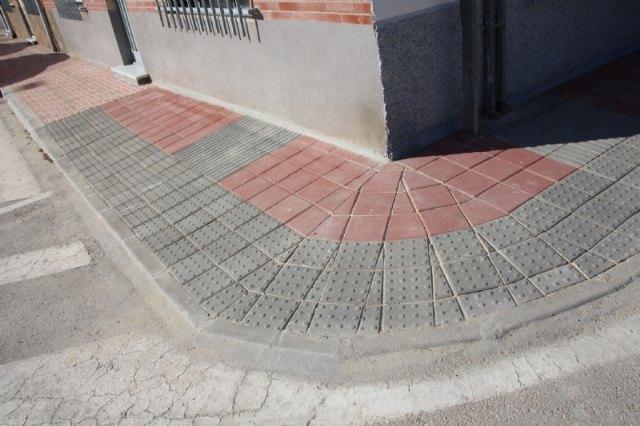 Calidad Urbana continúa la mejora de la accesibilidad en aceras y adecúa los pasos de peatones para personas con necesidades cognitivas, Foto 2