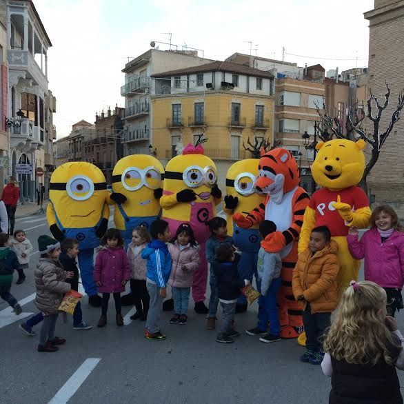 "The characters of the television and the cinema carried out the second parade ""We are going to the Fair"" from the Plaza de la Constitución to the fairgrounds - 2"