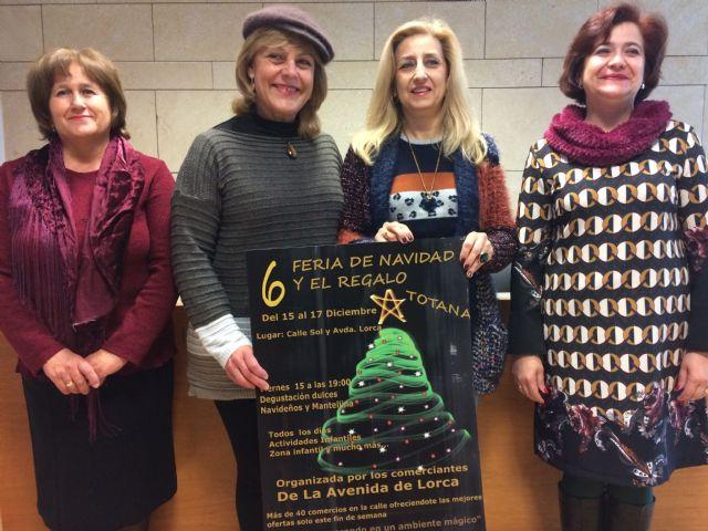 La VI Feria de Navidad y el Regalo de la Avenida de Lorca se celebra este próximo fin de semana, del 15 al 17 de diciembre, con la participación de más de 50 comercios