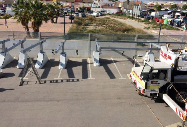 Comienza la instalación de la marquesina del parking del Centro Local de Seguridad - 1, Foto 1