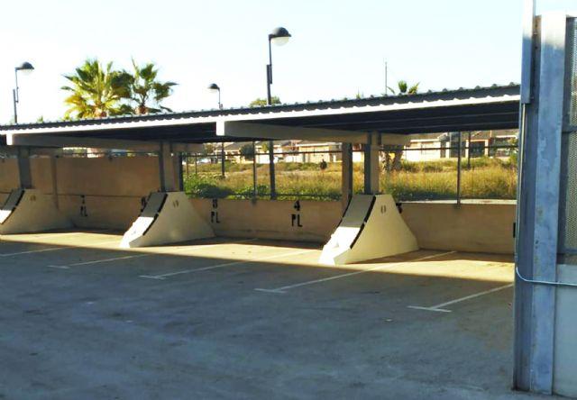 Comienza la instalación de la marquesina del parking del Centro Local de Seguridad - 3, Foto 3