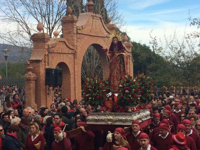 La Patrona de Totana, Santa Eulalia de Mérida, regresa a su ermita rodeada de miles de personas, después de haber permanecido más de un mes en la ciudad