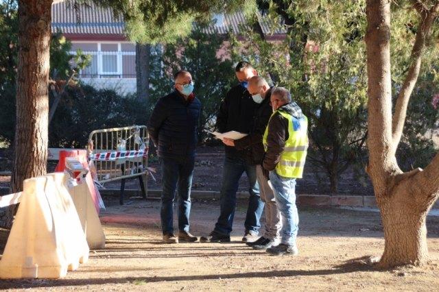 Parques y jardines instala nuevos aparatos biosaludables y juegos infantiles en cuatro espacios verdes del municipio, Foto 1