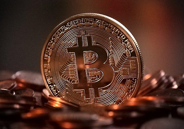 El bitcoin se convertirá en un refugio de valor como el oro pese a su caída, según un experto de UIC Barcelona - 1, Foto 1