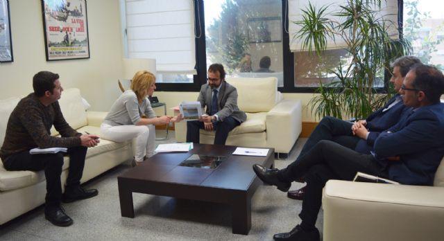 La alcaldesa de Campos del Río se reúne con el consejero de Fomento e Infraestructuras - 1, Foto 1