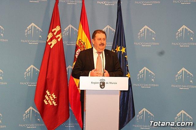 El presidente Fernando López Miras recibe al alcalde de Totana, Foto 6