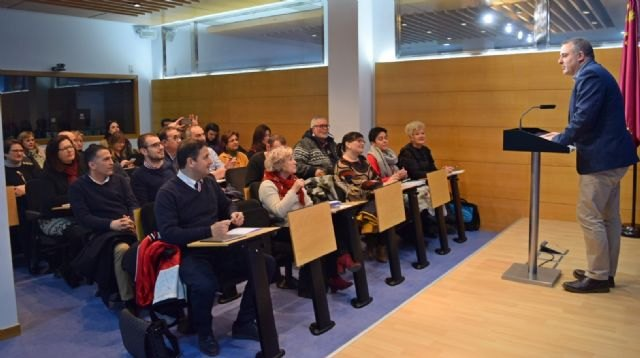 The councilman of Commerce attends a meeting of councilors in this matter of all the municipalities of Murcia - 1