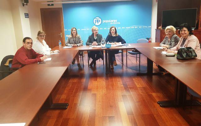 El PP regional reúne a la comisión de Discapacidad para abordar medidas que ayuden a mejorar el envejecimiento de las personas que integran este colectivo, Foto 1