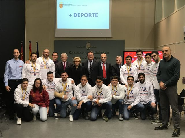 Recepción a los deportistas murcianos que han conseguido medalla en el Campeonato de España Senior de Luchas Olímpicas, Foto 1