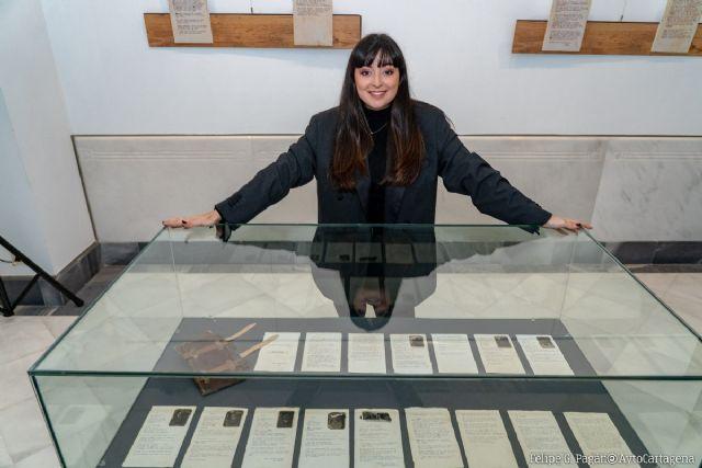 María Garberí hace accesible para todos su exposición ´La cueva del fotógrafo: Identidad infinita´ en la Sala Subjetiva - 1, Foto 1