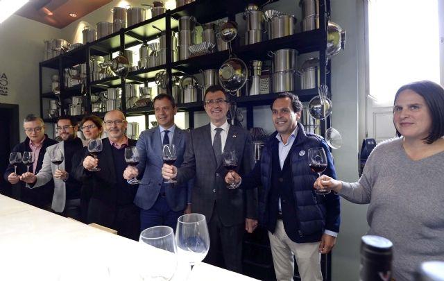 Comienzan las catas de vino gratuitas D.O.P Yecla en la sede central de Murcia Capital Gastronómica - 1, Foto 1