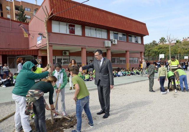 Más de 20.000 escolares de Murcia y sus pedanías disfrutarán de nuevos espacios de sombra gracias al Plan Foresta - 1, Foto 1