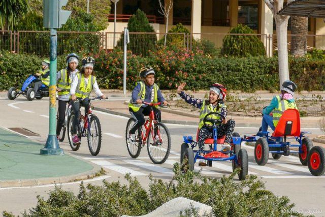 Los patinetes eléctricos se incorporan a la formación de los escolares en Educación Vial - 1, Foto 1