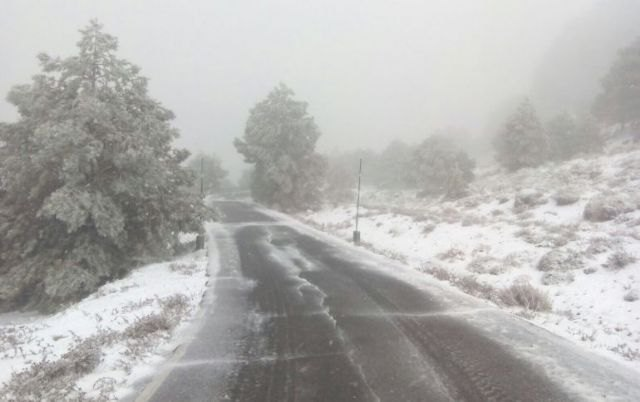 The storm leaves snow on the highest slopes of the Sierra Espuña Park