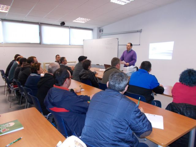 The Almendro Pruning Course is inaugurated at the Local Development Center - 2