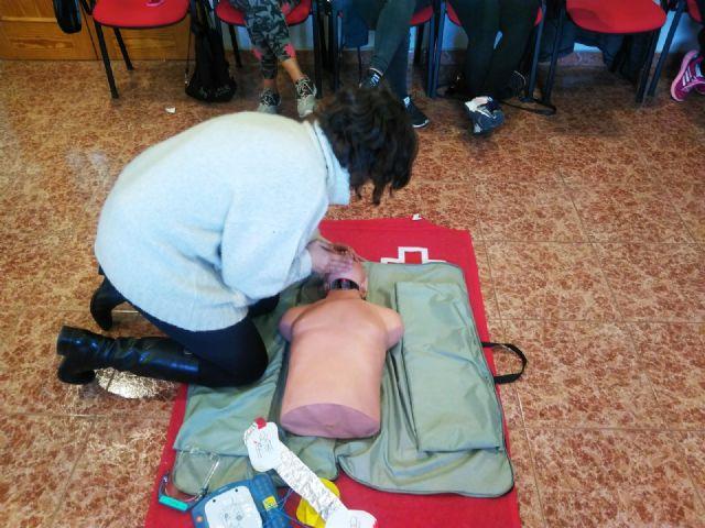Protección Civil y Cruz Roja enseñan a usar desfibriladores al personal de los Centros de Día y Atención Temprana, Foto 1