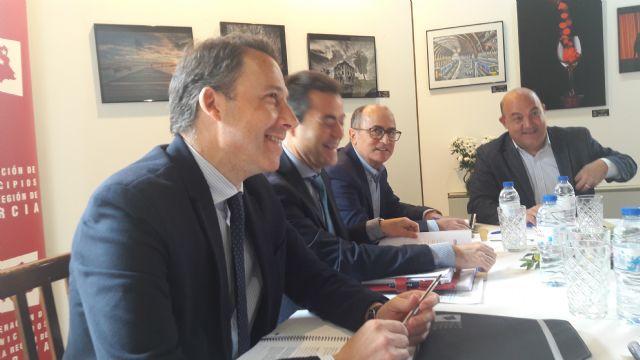 El Alcalde solicita el apoyo de la FMRM a favor de la declaración del Bordado Lorquino de Semana Santa como Patrimonio de la Humanidad por parte de la UNESCO - 2, Foto 2