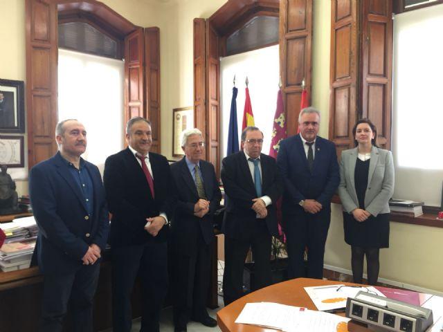El Ayuntamiento firma con la Universidad de Murcia un convenio para la sede permanente de extensión universitaria en Moratalla - 1, Foto 1