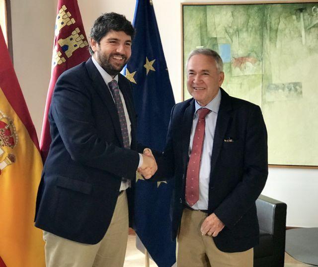 El presidente Fernando López Miras se reúne con el alcalde de Ojós - 1, Foto 1