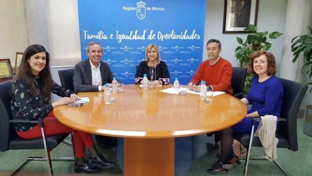 La Comunidad impulsa el trabajo de los educadores sociales en el peritaje judicial de casos relacionados con protección de menores, Foto 1