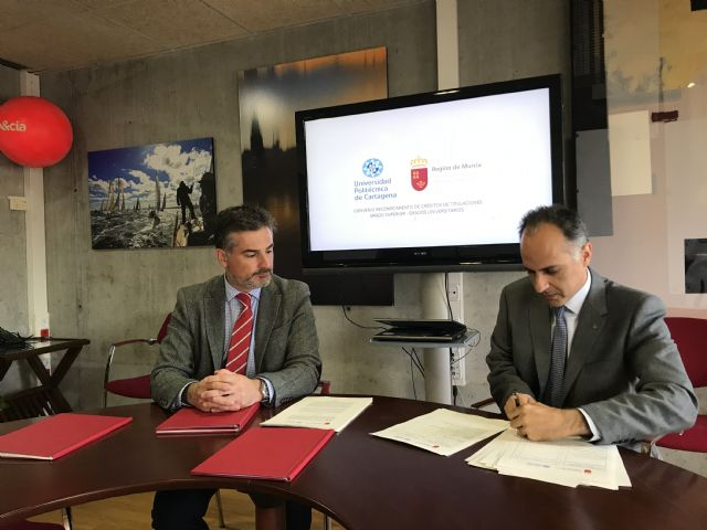 Convenio entre la Consejería de Educación, Juventud y Deportes y la UPCT para la convalidación de créditos de FP de Grado Superior, Foto 1