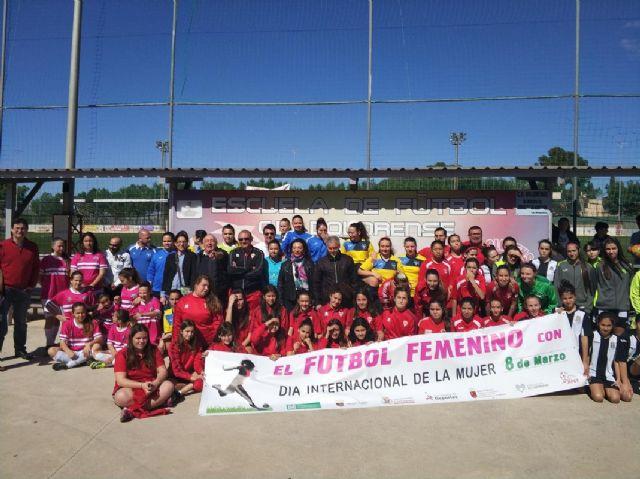 La E.F. Dolorense-Salesianos, campeona de la Liga Comarcal de categoria feminas - 1, Foto 1