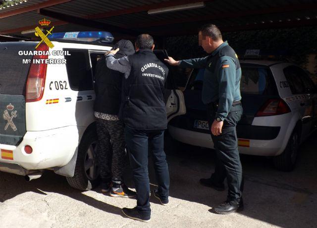 La Guardia Civil detiene en Cieza a una persona por delitos de lesiones y abuso sexual - 2, Foto 2