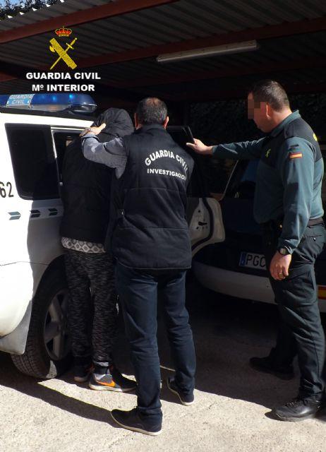 La Guardia Civil detiene en Cieza a una persona por delitos de lesiones y abuso sexual, Foto 3
