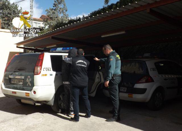 La Guardia Civil detiene en Cieza a una persona por delitos de lesiones y abuso sexual, Foto 4