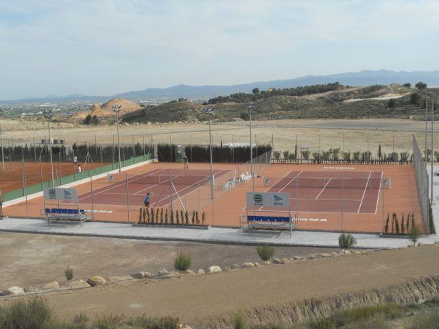 Acuerdan suscribir un convenio de colaboración con el Club Deportivo Kuore para la cesión de pistas de tenis en las instalaciones de la Ciudad Deportiva, Foto 3