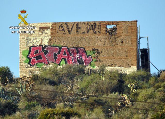 La Guardia Civil investiga al presunto autor de unos grafitis en un BIC de Cartagena - 3, Foto 3