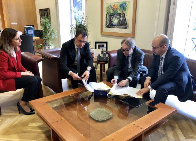 El Ayuntamiento y La Caixa renuevan su alianza para luchar contra la pobreza infantil - 2, Foto 2