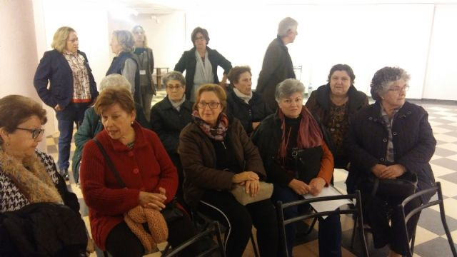 Interesante y constructiva mesa redonda sobre Políticas de igualdad desde una perspectiva femenina plural dentro de las actividades del Día Internacional de la Mujer, Foto 5