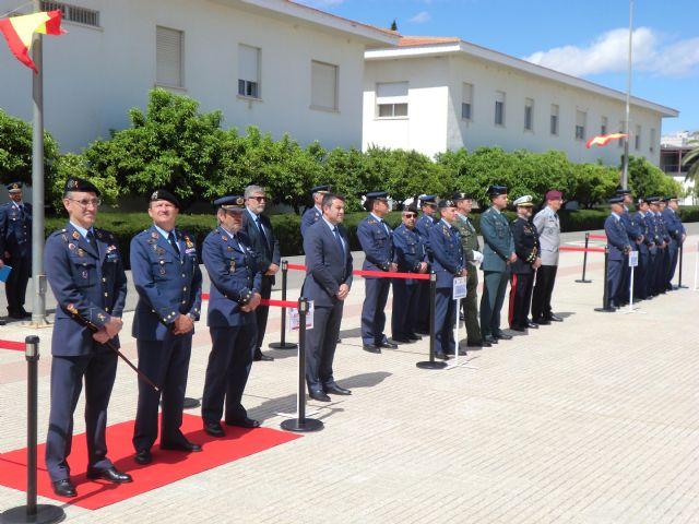 El Alcalde asiste a la clausura y entrega de trofeos del 49 Campeonato de España de Paracaidismo Militar - 1, Foto 1