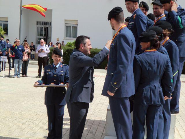 El Alcalde asiste a la clausura y entrega de trofeos del 49 Campeonato de España de Paracaidismo Militar - 3, Foto 3