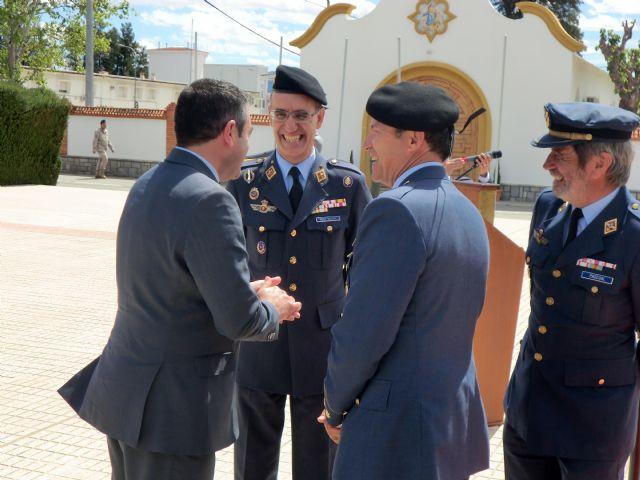 El Alcalde asiste a la clausura y entrega de trofeos del 49 Campeonato de España de Paracaidismo Militar - 4, Foto 4