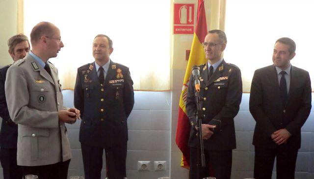 El Alcalde asiste a la clausura y entrega de trofeos del 49 Campeonato de España de Paracaidismo Militar - 5, Foto 5
