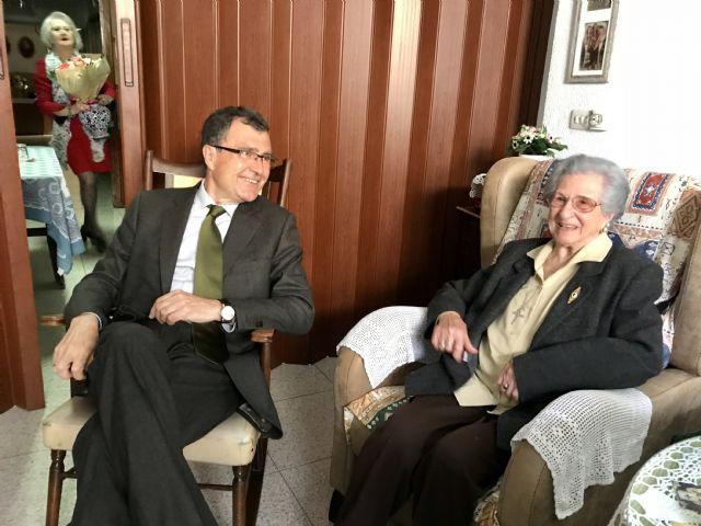 La ´Abuela de Espinardo´ celebra su 103 cumpleaños como una rosa - 1, Foto 1