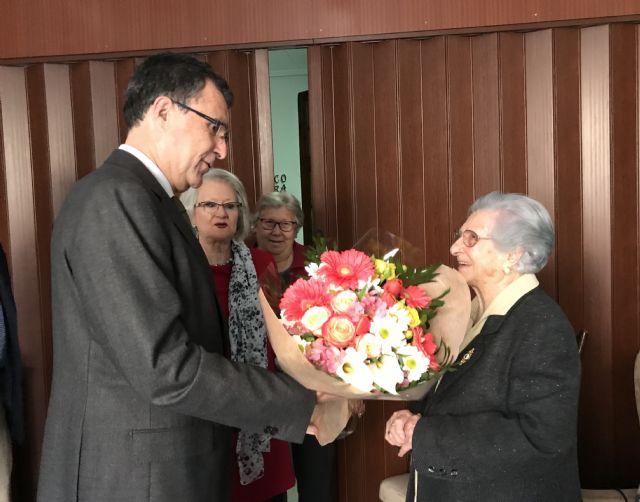 La ´Abuela de Espinardo´ celebra su 103 cumpleaños como una rosa - 2, Foto 2