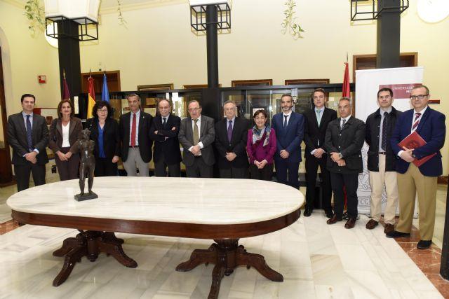 La UMU firma convenios de colaboración con Grupo Fuertes para la creación de dos cátedras - 2, Foto 2