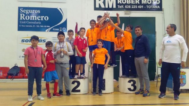 End of the Local Stage of School Sports Basketball with the awarding of trophies, Foto 2
