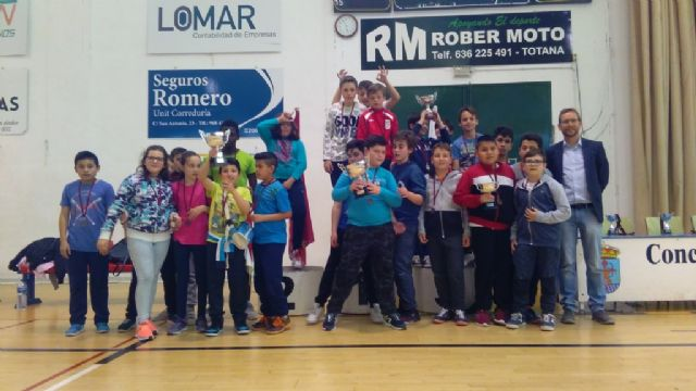 End of the Local Stage of School Sports Basketball with the awarding of trophies - 3