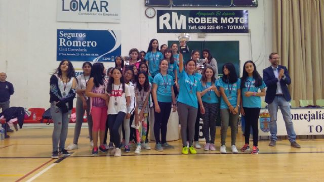 End of the Local Stage of School Sports Basketball with the awarding of trophies, Foto 4