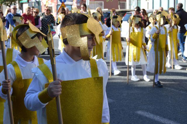 Los alumnos del colegio Divino Maestro no fallan a su cita con la procesión de Los Pasitos - 1, Foto 1