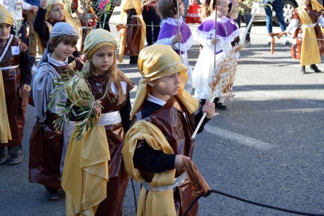 Los alumnos del colegio Divino Maestro no fallan a su cita con la procesión de Los Pasitos - 2, Foto 2
