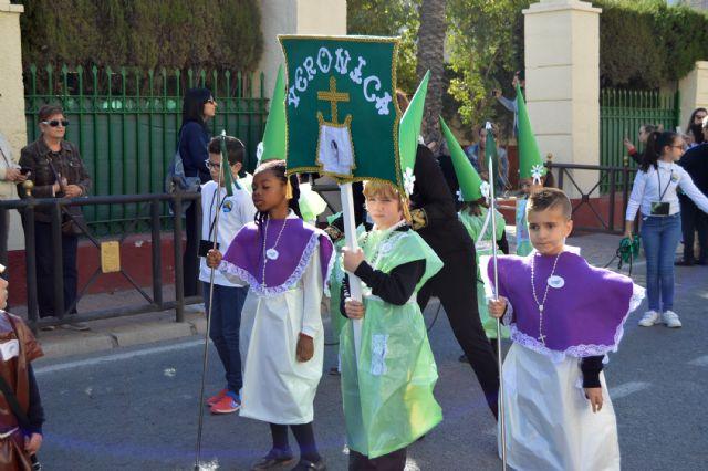 Los alumnos del colegio Divino Maestro no fallan a su cita con la procesión de Los Pasitos - 3, Foto 3