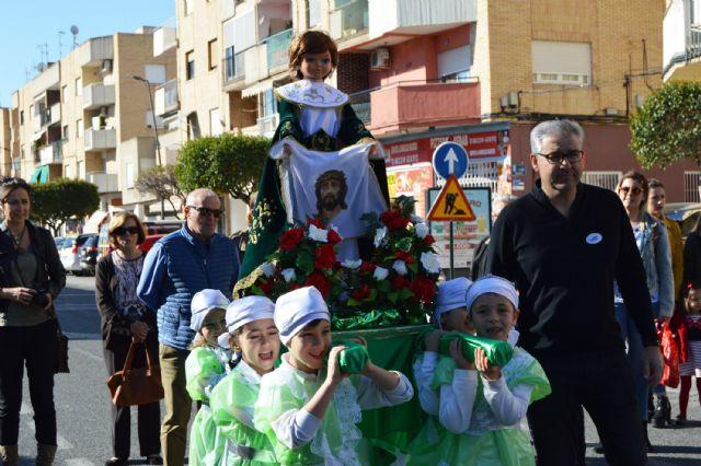 Los alumnos del colegio Divino Maestro no fallan a su cita con la procesión de Los Pasitos - 4, Foto 4